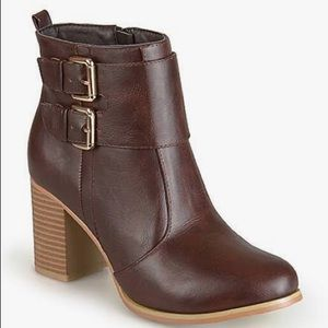 Journee Collection Ankle Boot Brown Brand New 8.5
